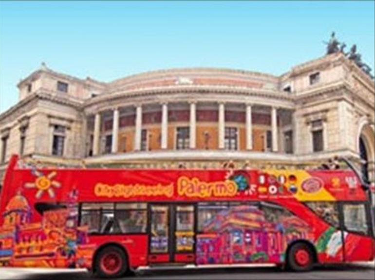 The link to the purchase page pmo, is also located on the site of the distinctive red bus